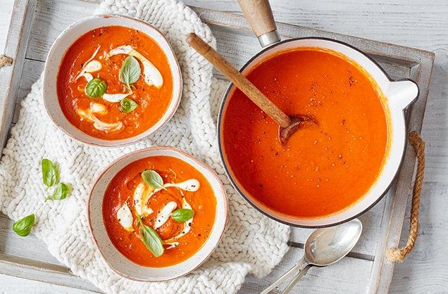 Supë verore me domate