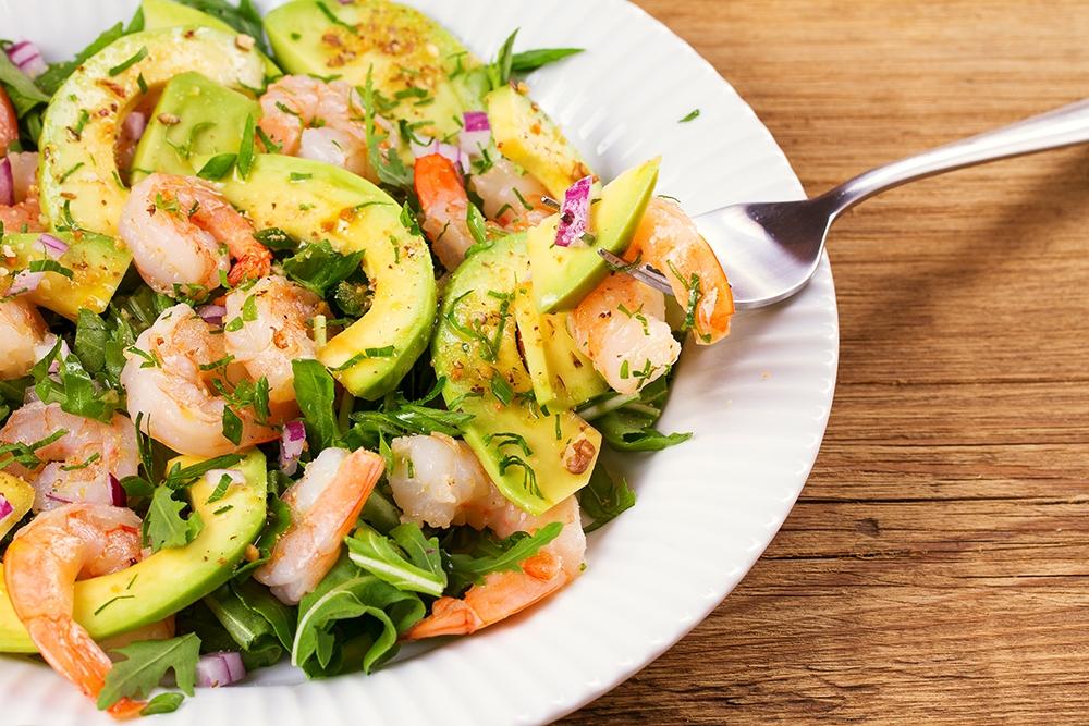 Sallatë me avokado dhe karkaleca