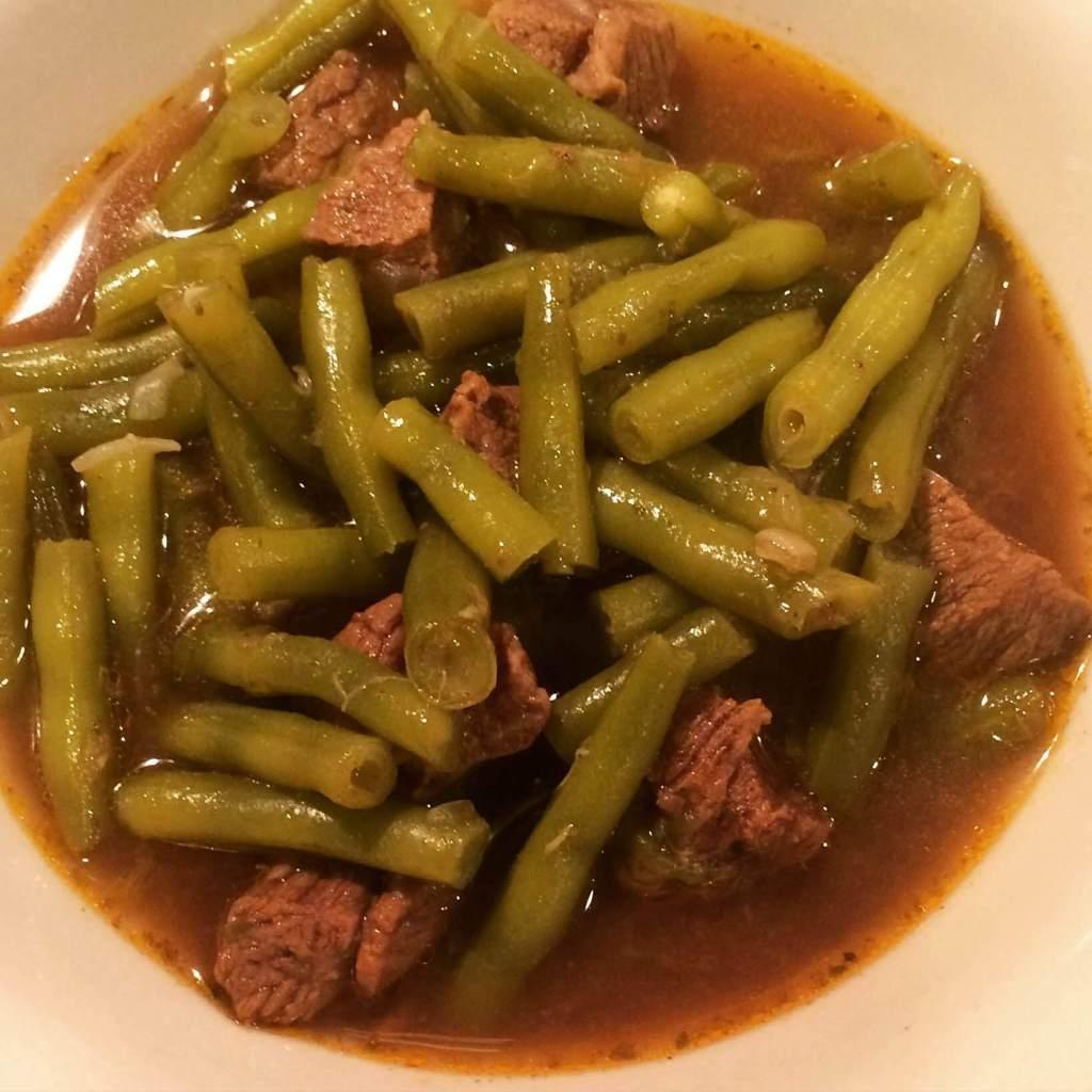 Gjellë me mish dhe mashurka