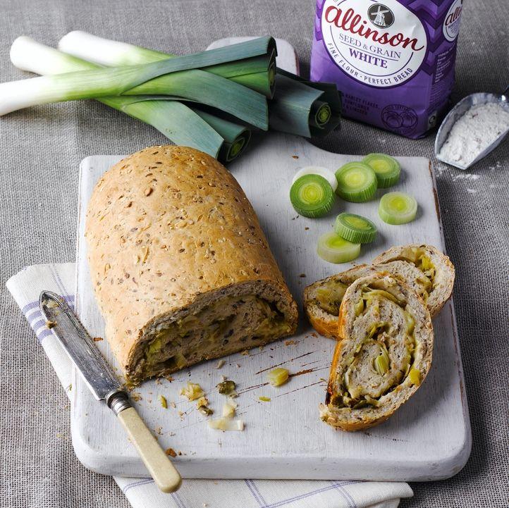 Bukë me presh dhe djathë të bardhë