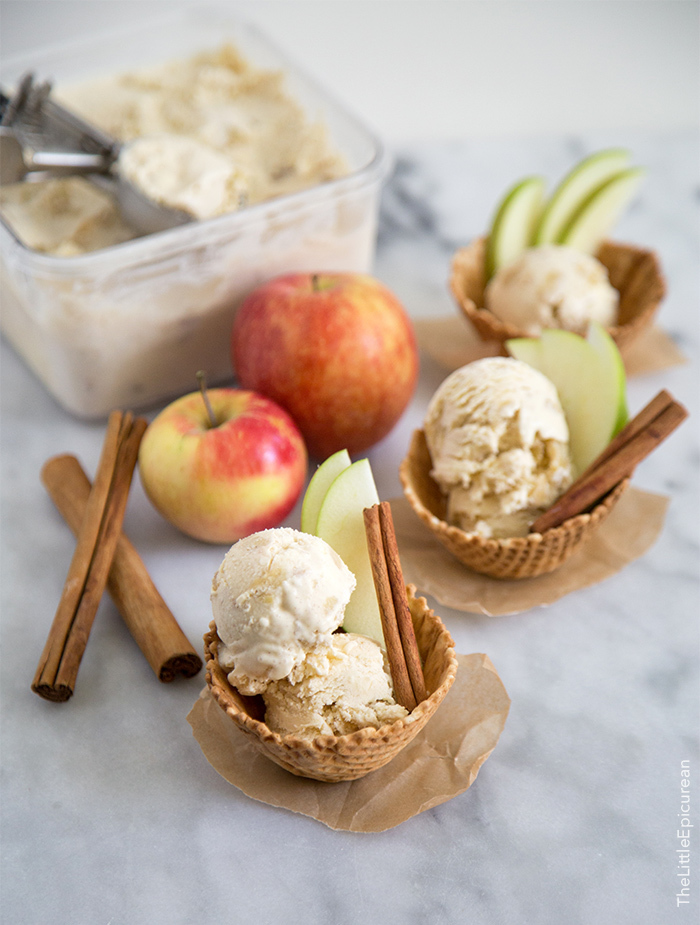 Akullore me mollë e kanellë