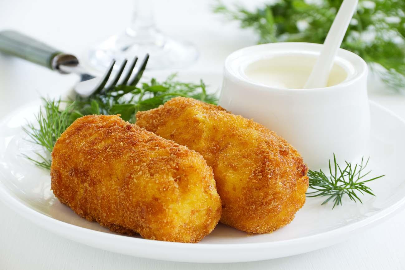 Kroketa patatesh me sallam dhe djathë kaçkavall